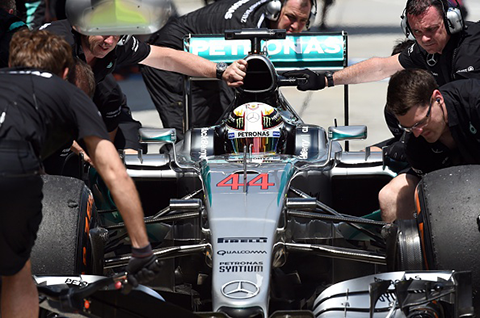 Lewis Hamilton (Photo by GREG BAKER/AFP/Getty Images)