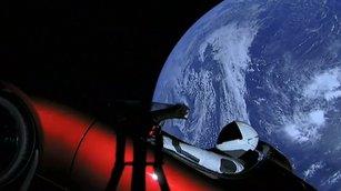 [NA]史上最強火箭首飛成功!太空跑車傳回圖像-2