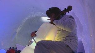 樂器都是冰塊!雪窖內體驗凍到不行的音樂節