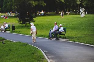 據統計,台灣肌少症盛行率達10%,約有近30萬人罹患肌少症,80歲以上男性可能高達3成以上。(圖/Pexels)
